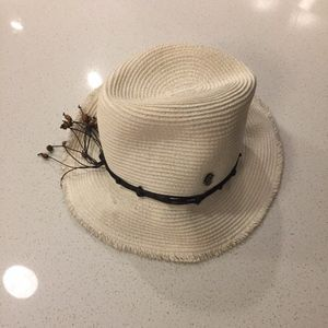 Tommy Bahama hat